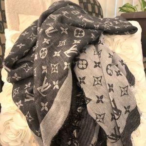 Louis Vuitton wool scarf